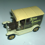 "Lledo DG06044 1920's Ford Model ""T"" Van - Alton Towers"